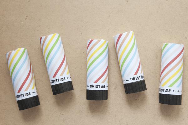 Rainbow confetti poppers