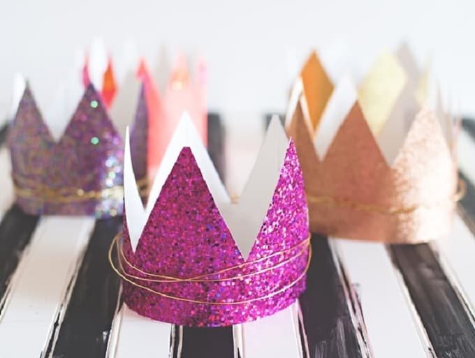 Diy Wire Crown | Diy Dress Up Crowns For Kids And Adults Alike