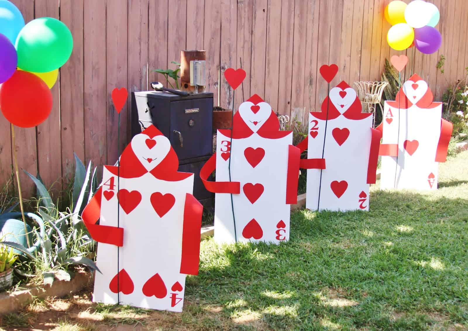 Alice in Wonderland Cardsmen