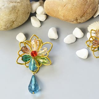 Flower Power: 12 DIY Earrings with a Floral Motive