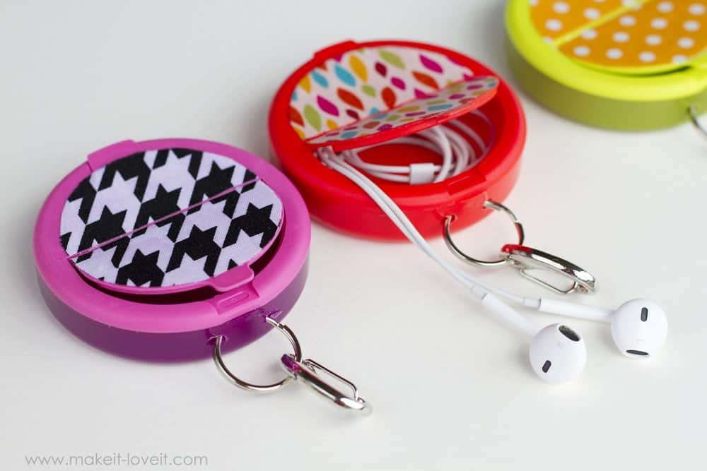 Earphone holders
