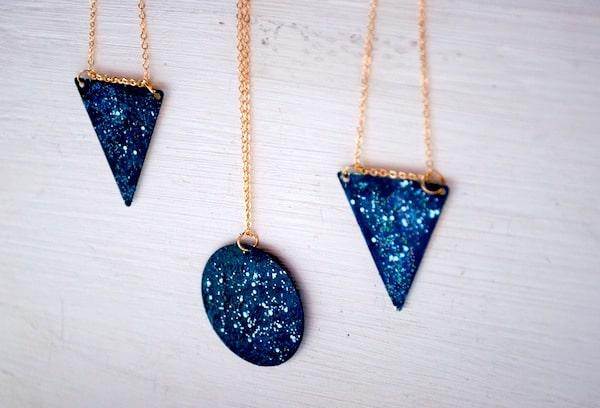 Geometric galaxy necklace