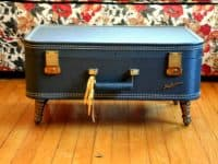 Low vintage suircase coffee table 200x150 DIY Decor: Ingenious Ways to Upcycle Old Suitcases in Style