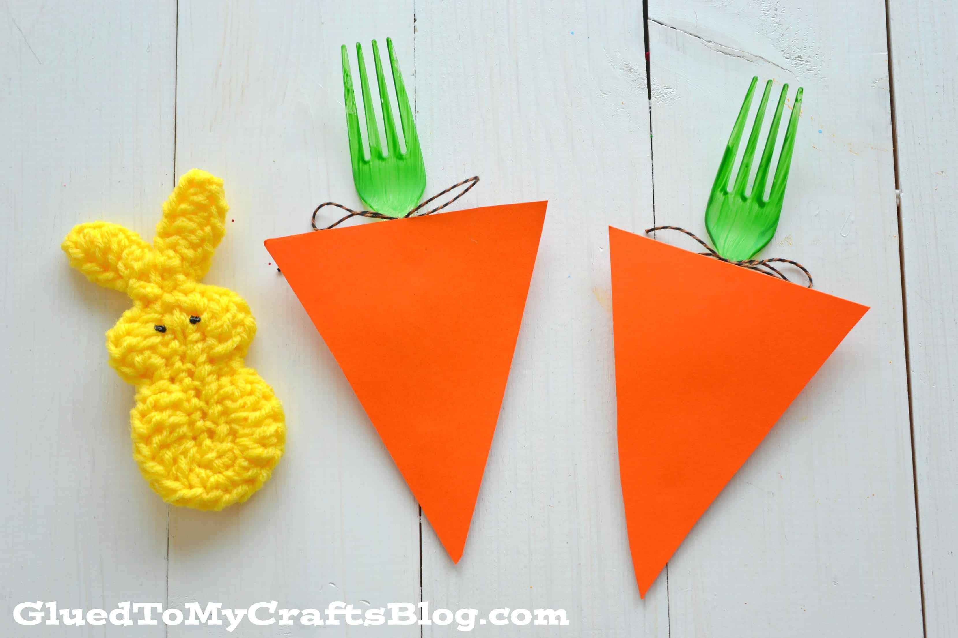 Plastic fork Easter carrots