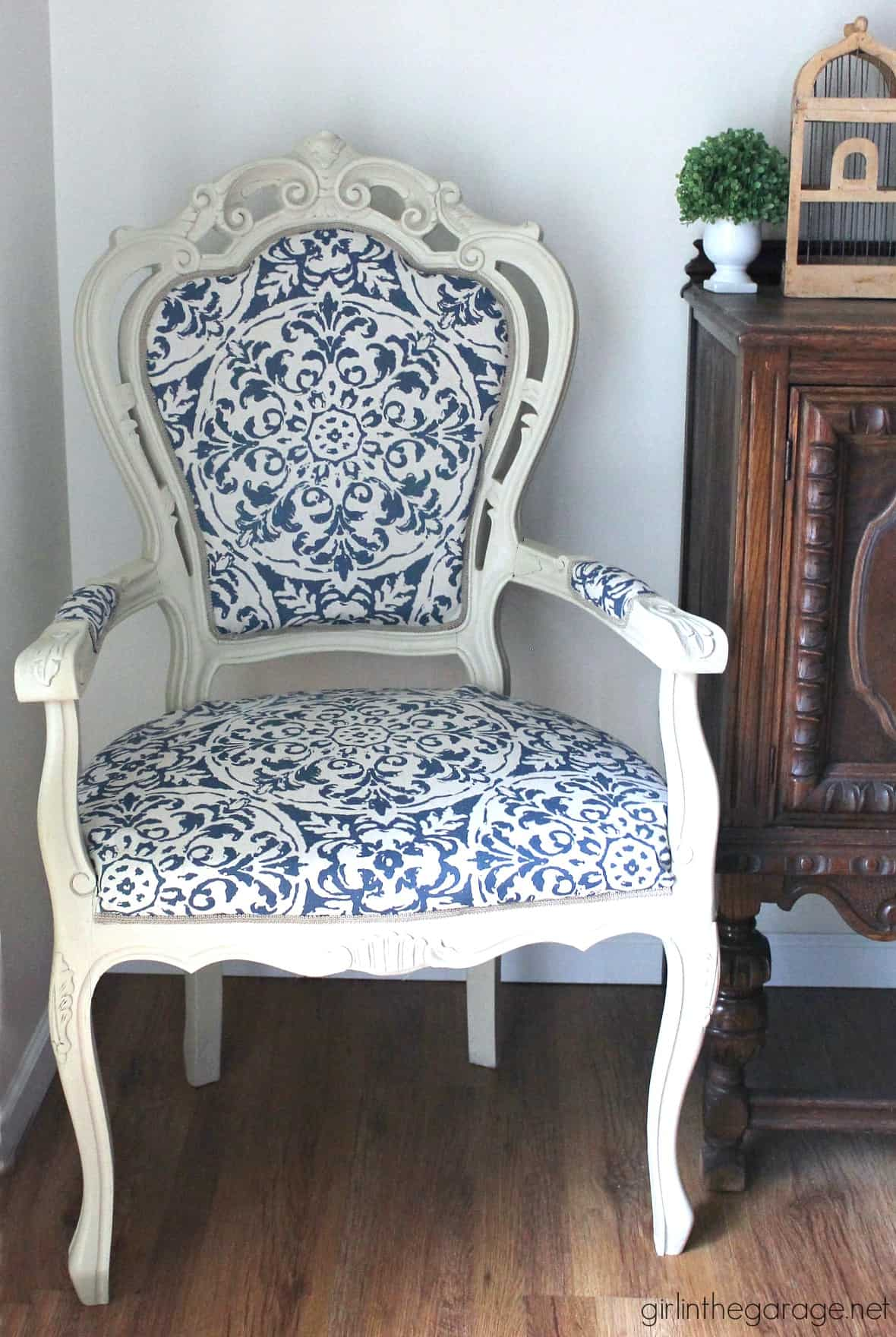 Vintage throne chair