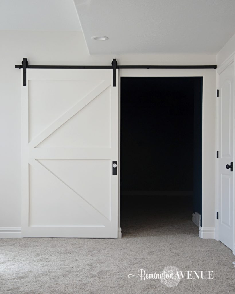 Diy barn doors farmhouse inspiration with a modern twist for Modern barn doors for a unique home
