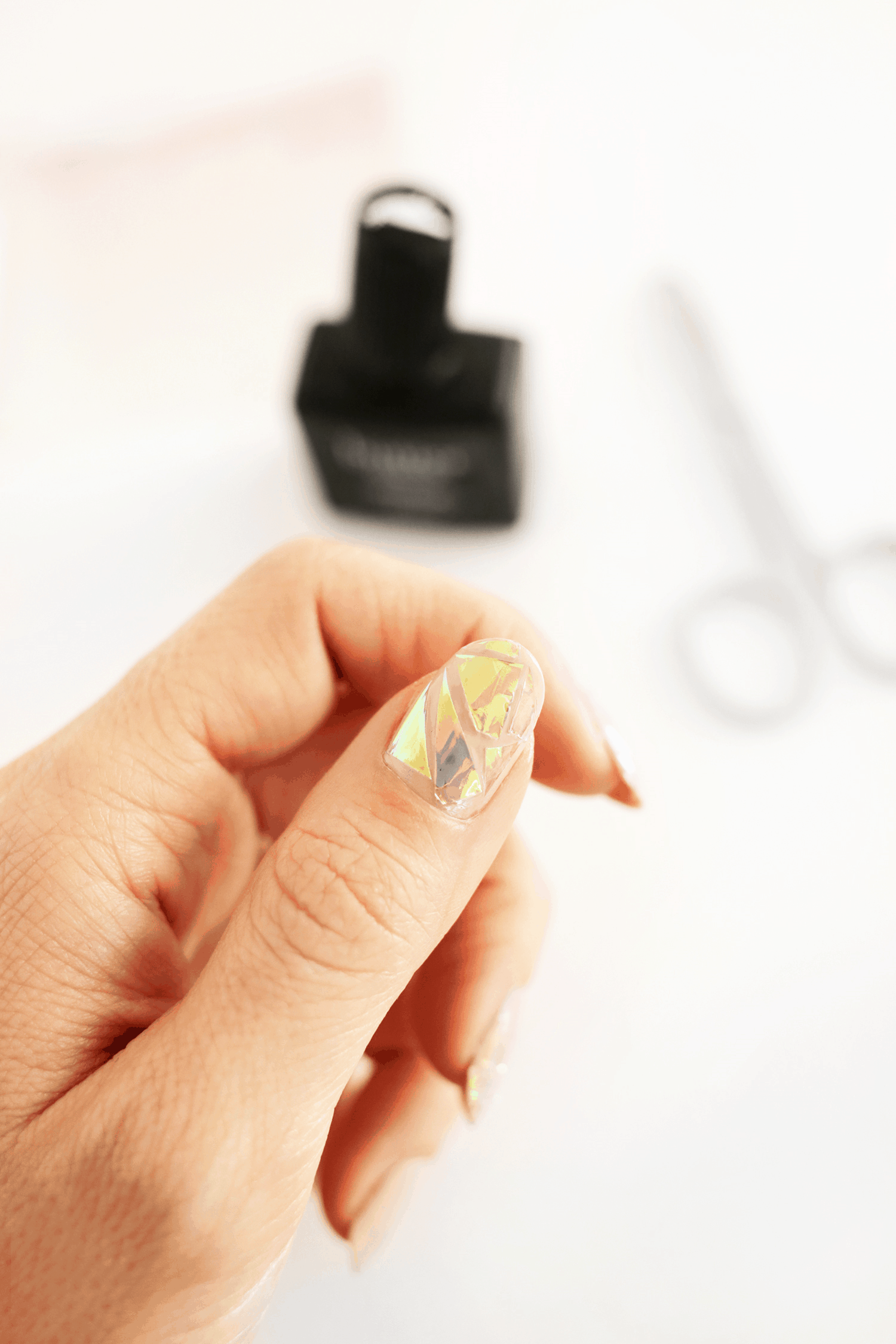 Holographic foil shattered glass nails
