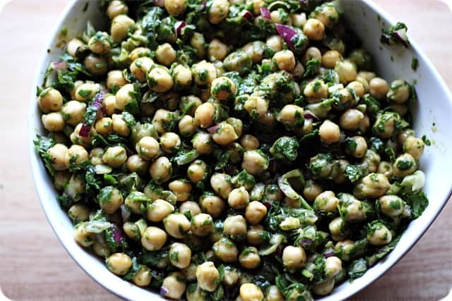 Spinach chickpea salad