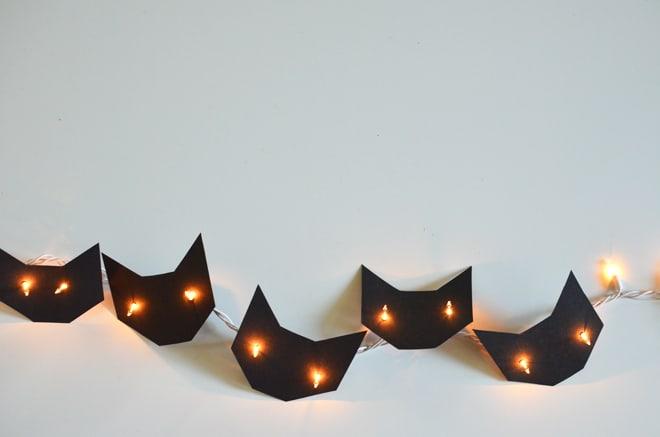 String light kittens