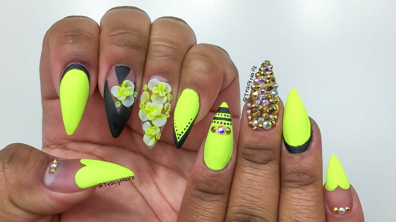 Yellow and black neon nails
