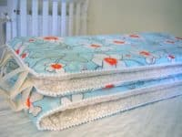 Crib bumpers made from bed sheets 200x150 15 Ways to Upcycle Bed Sheets