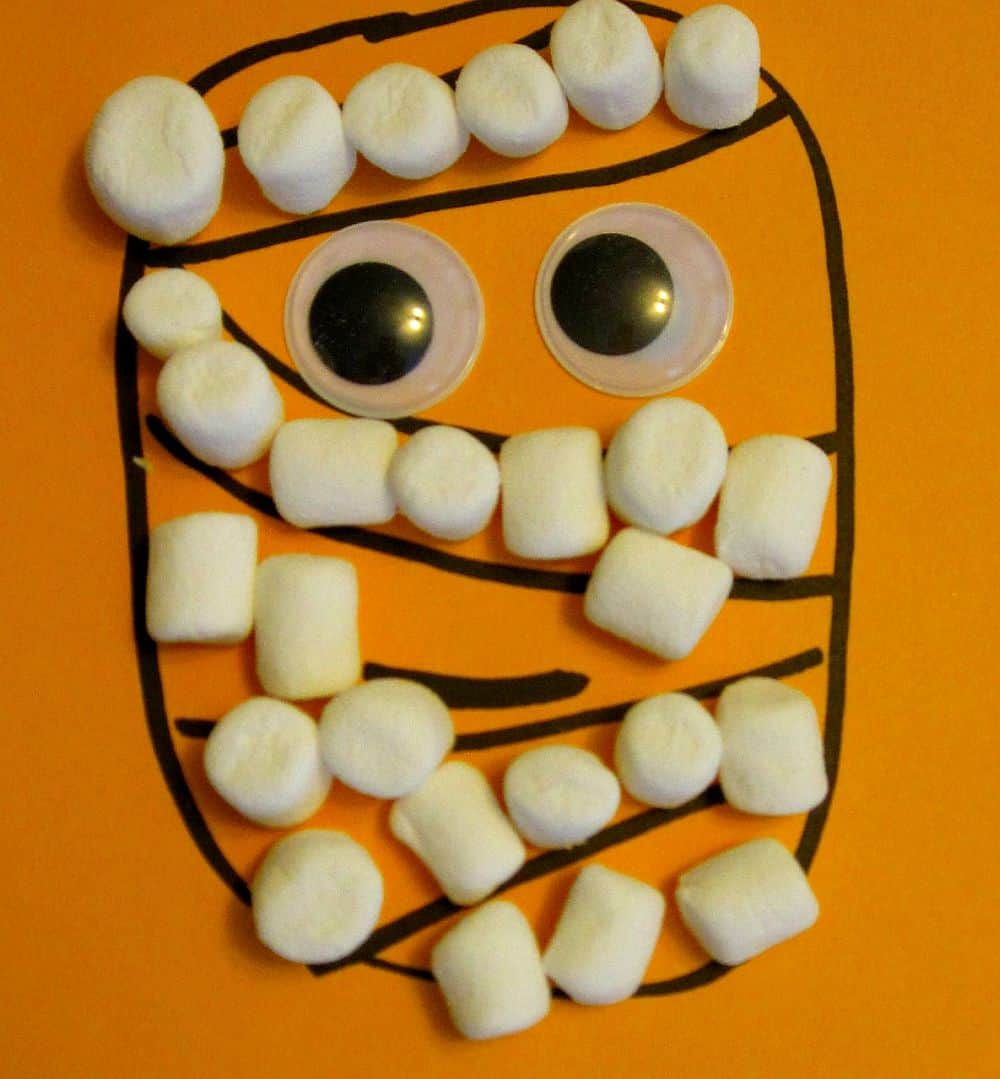 DIY Marshmallow mummy picture