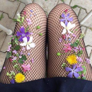 14 Pretty DIY Embellished Tights Designs