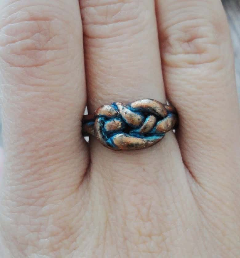 Knotted clay ring