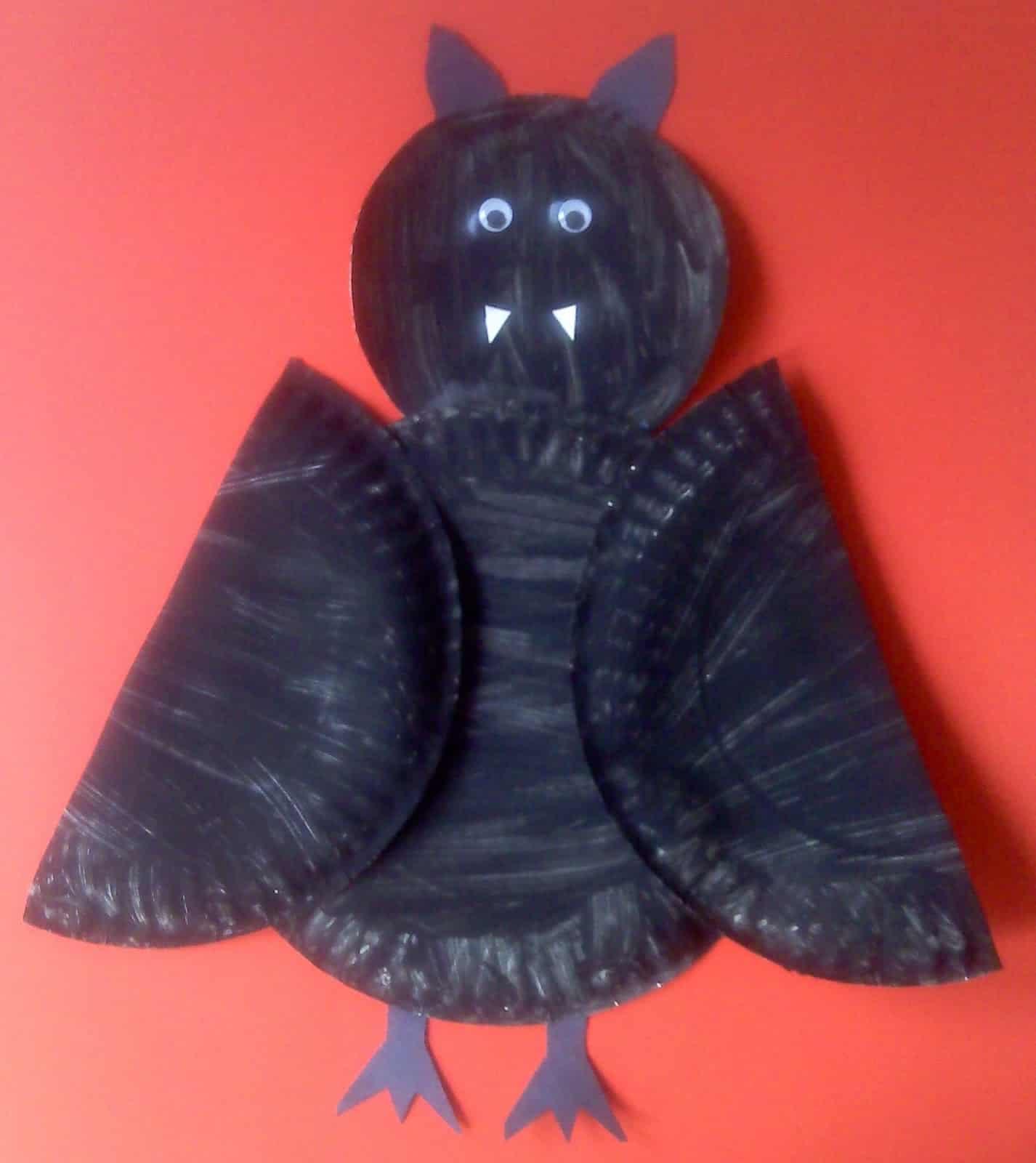 2. Paper plate bats & 15 Fun Bat Themed Crafts for Kids