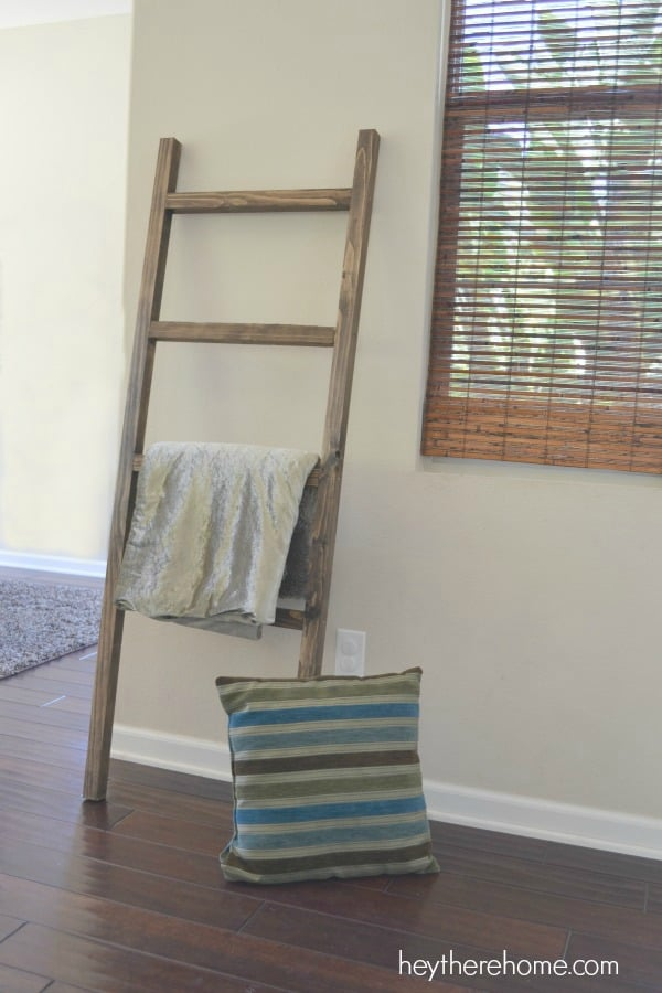 eba4203335 DIY Blanket Ladders  A Modern Concept with a Rustic Appeal