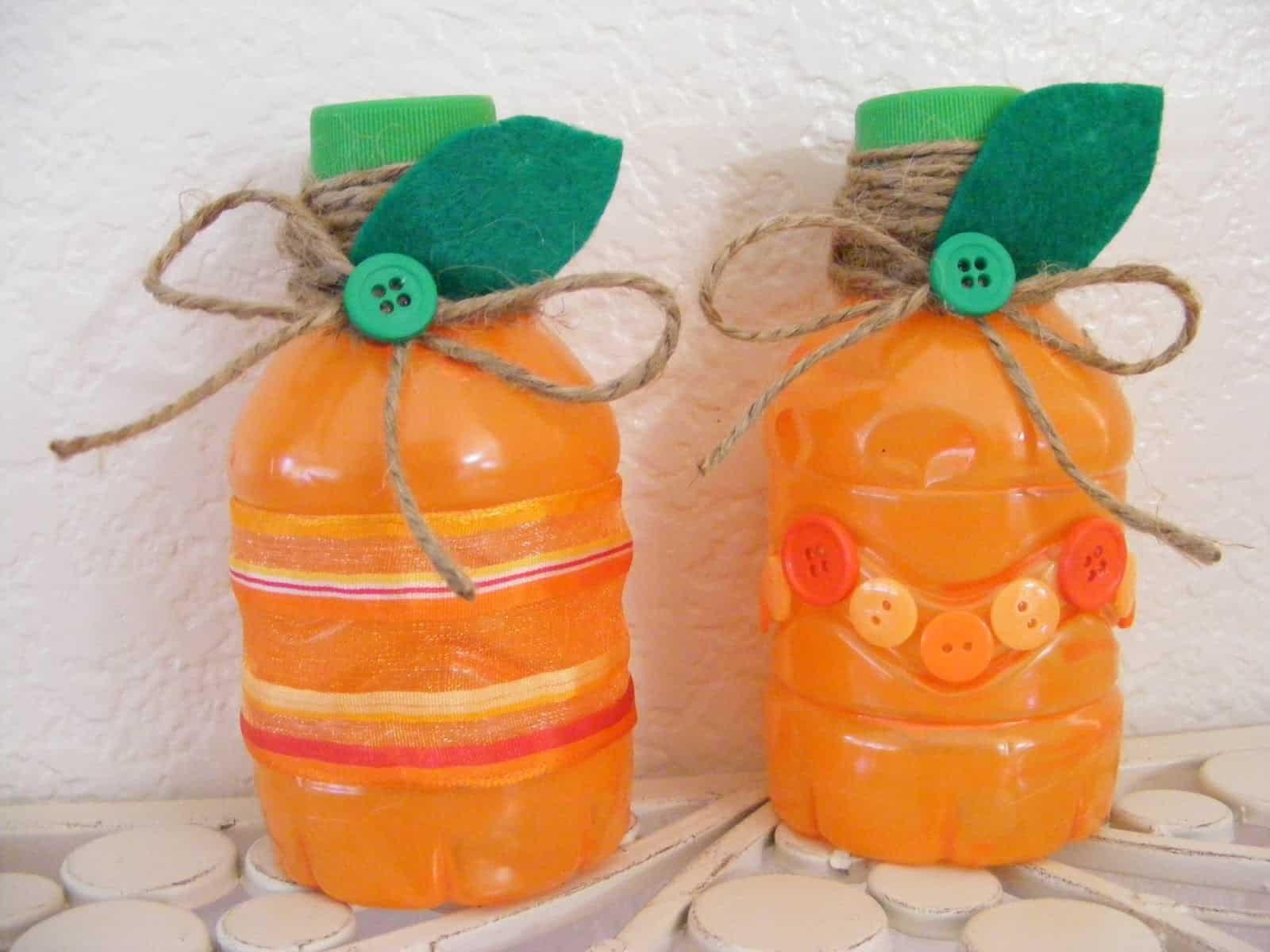 Pumpkin juice bottle favours 15 Cute Fall Pumpkin Crafts