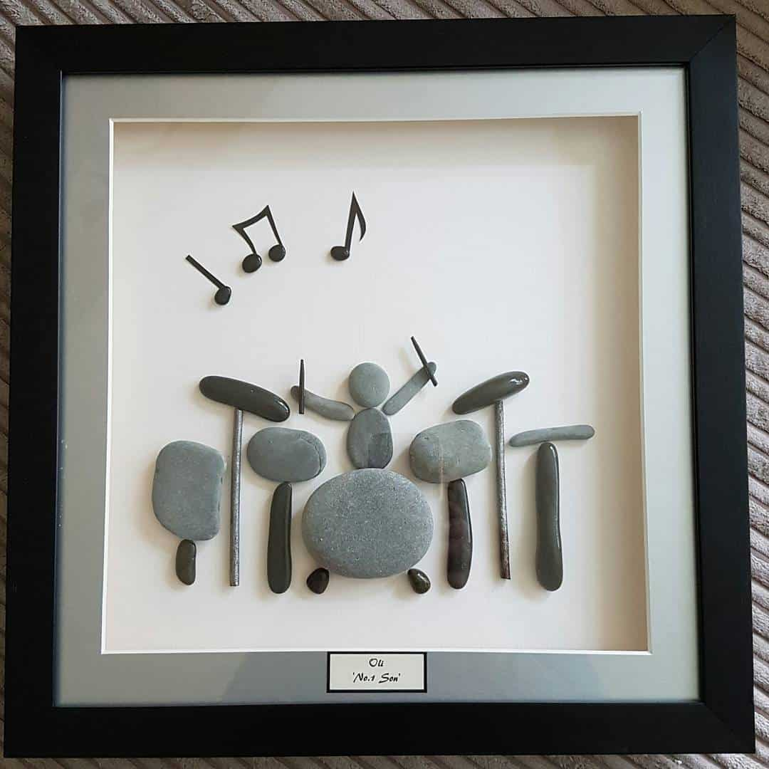 15 inspirational diy projects that celebrate rock music rock star pebble art solutioingenieria Image collections
