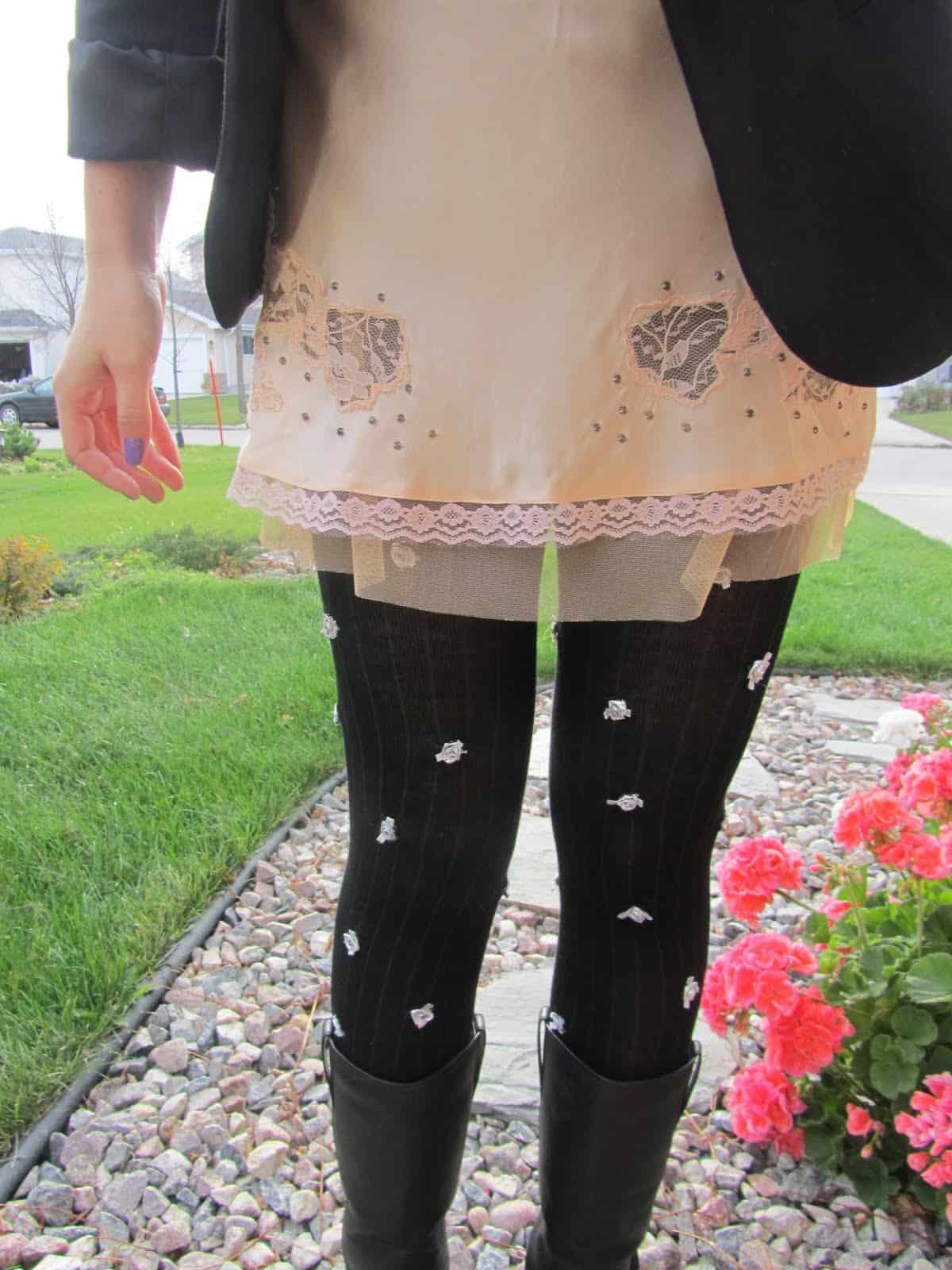 Tiny rosette tights