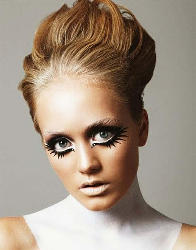 Twiggy inspired makeup