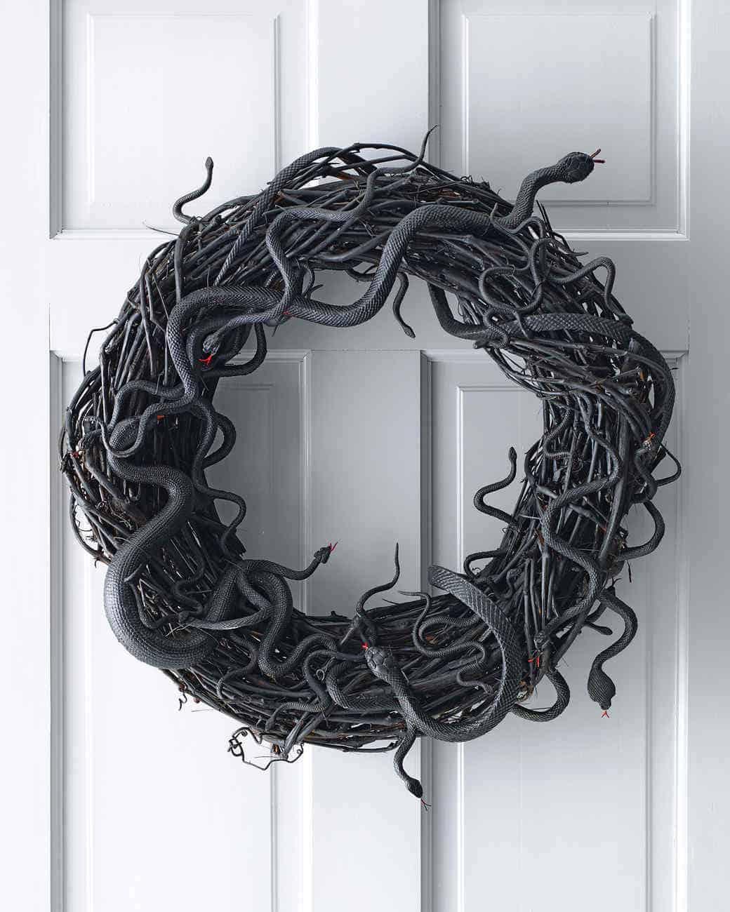Wriggling snakes halloween wreath