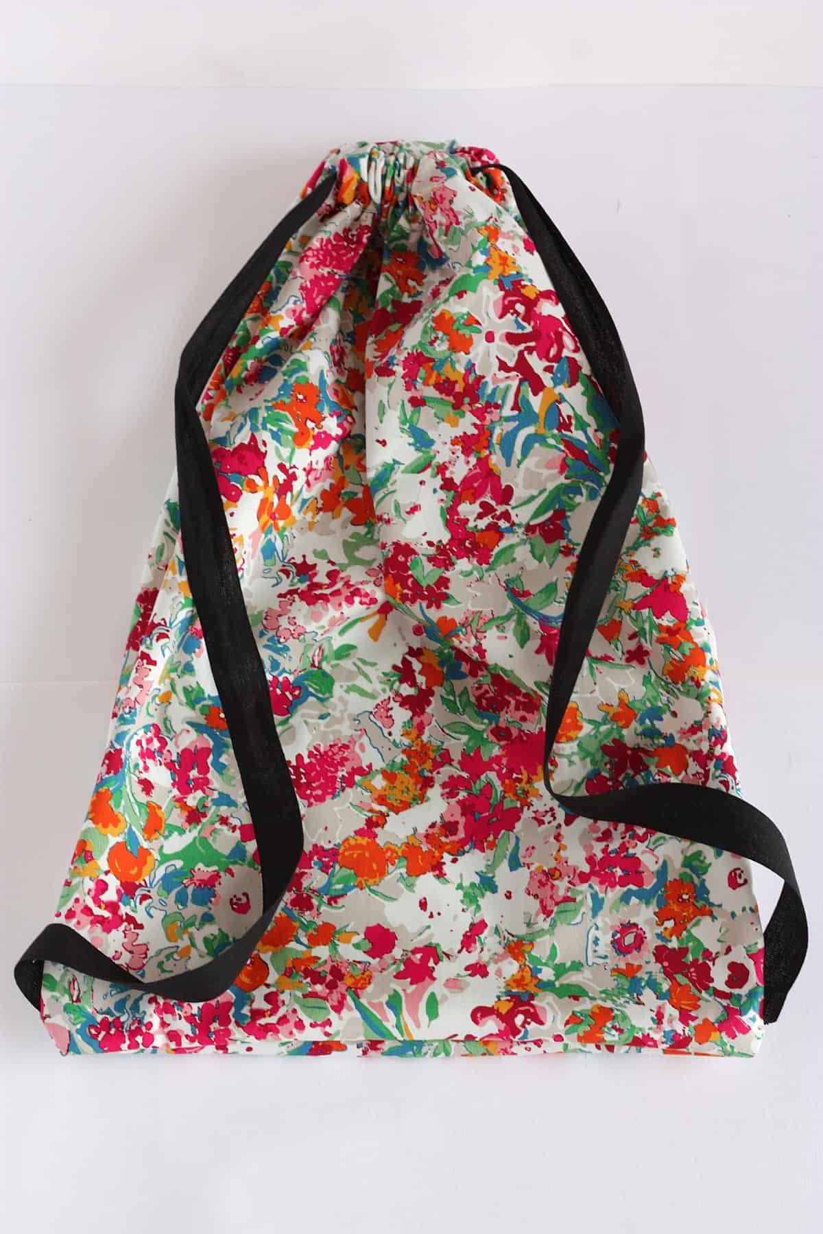 Colorful urban drawstring bag