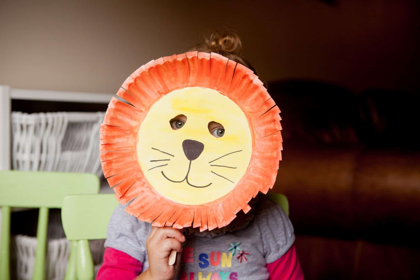 Paper plate lion's mask