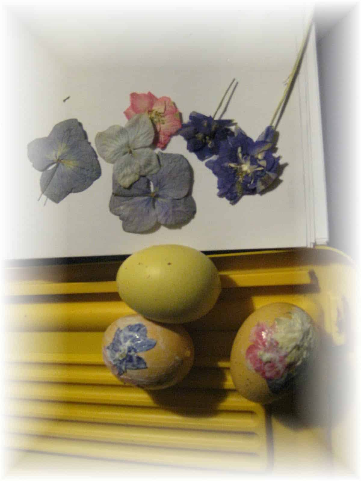 Pressed flower Easter egg decor