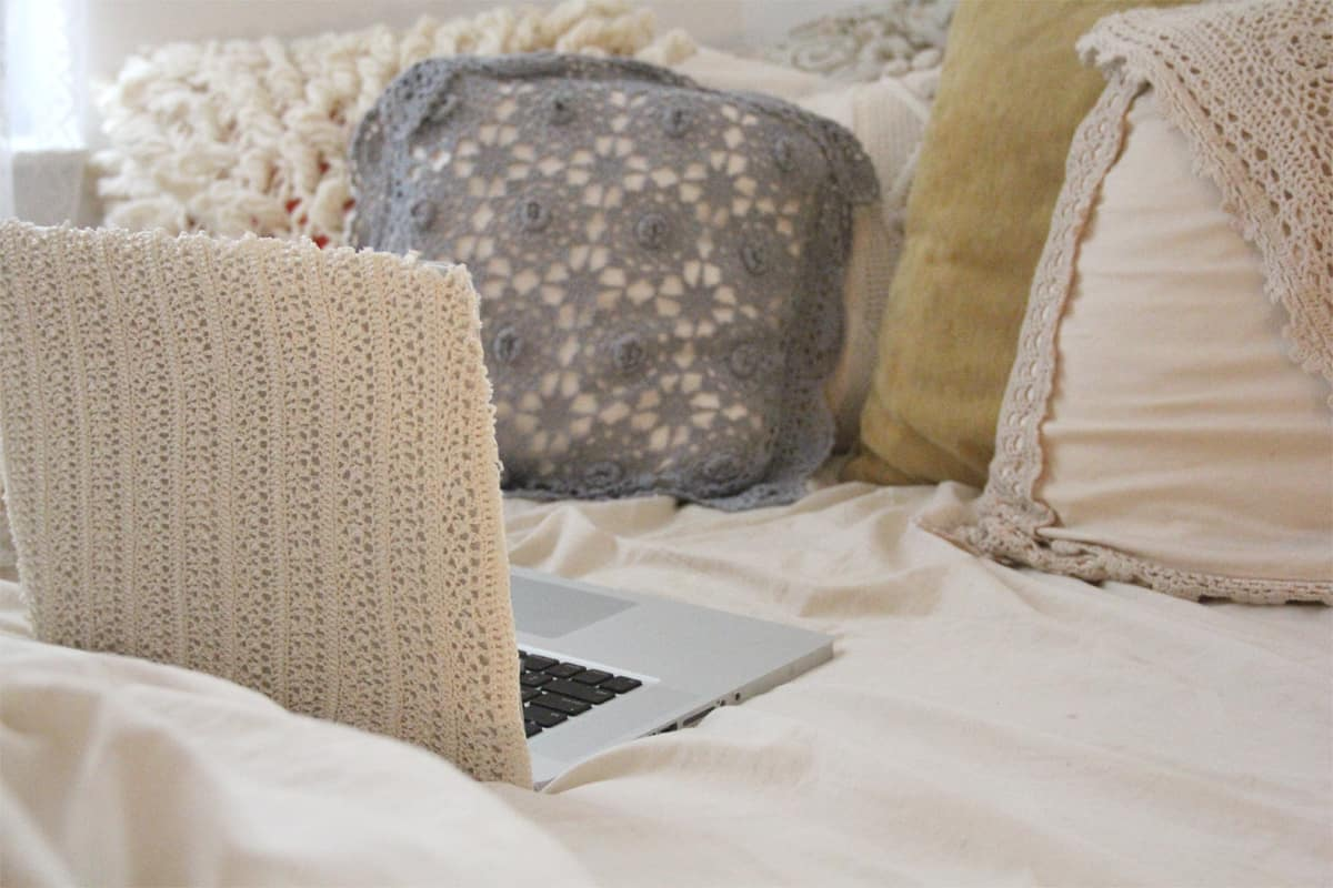 Pretty lace laptop cover