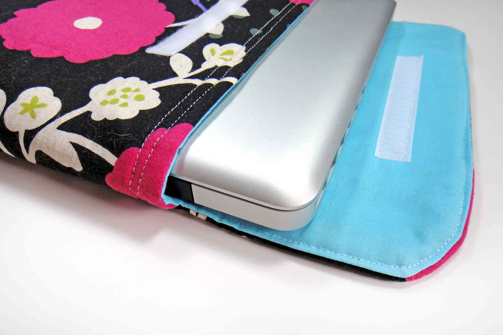 Sliding Velcro laptop sleeve