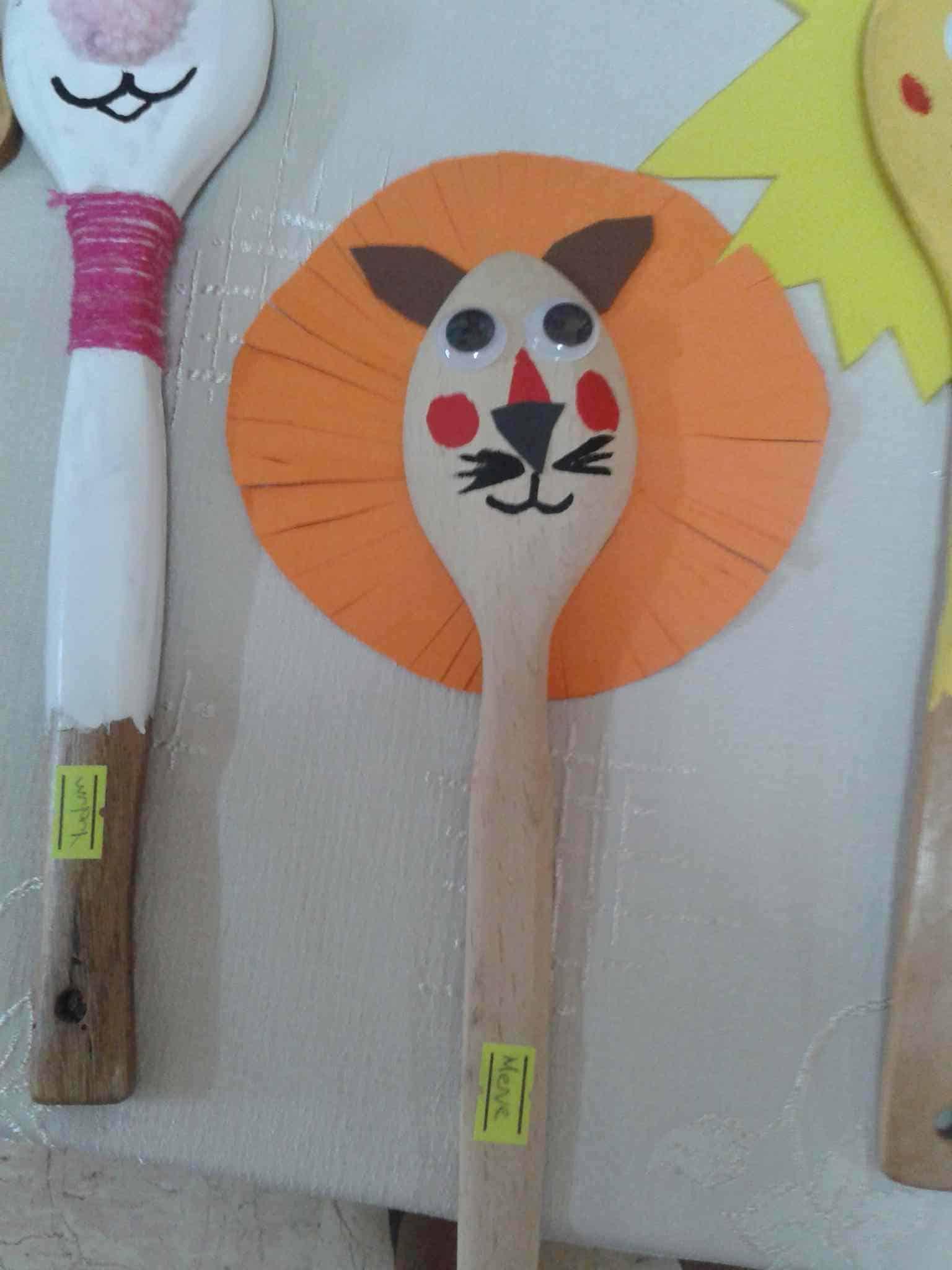 Wooden spoon lion