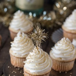 Hosting a New Year's Eve Party? Here Are 12 Finger Food Ideas!