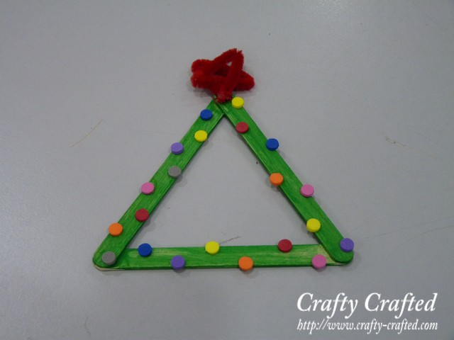 Crafting stick Christmas trees