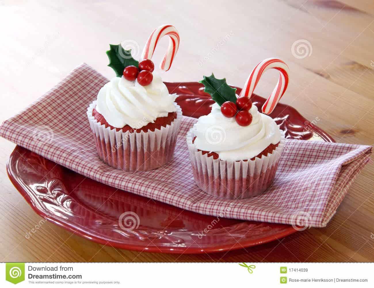 Red velvet mistletoe cupcakes