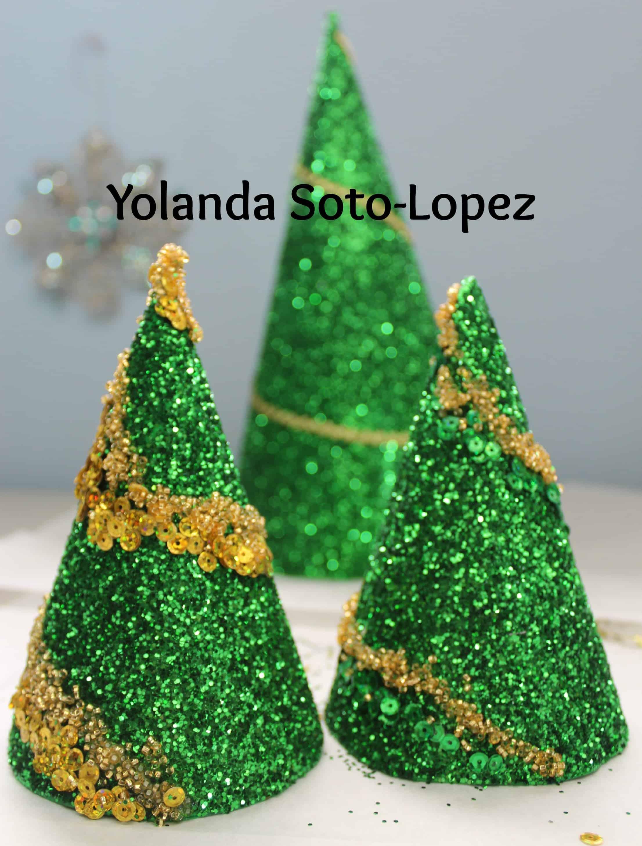 Sparkly Christmas tree cones