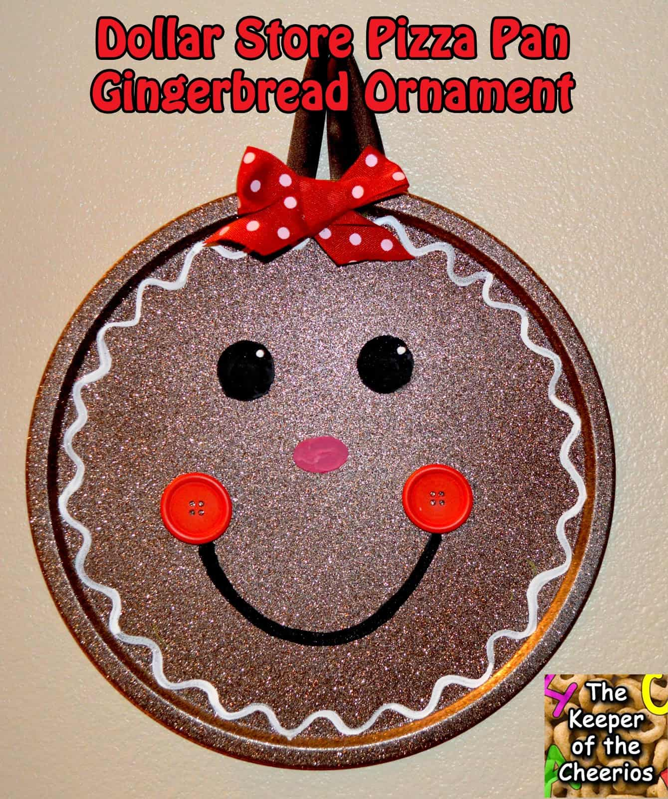 Sparkly pizza pan gingerbread man