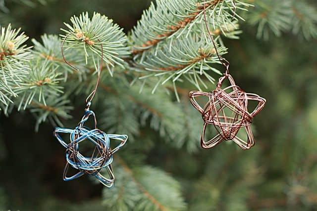 Wire stars ornaments