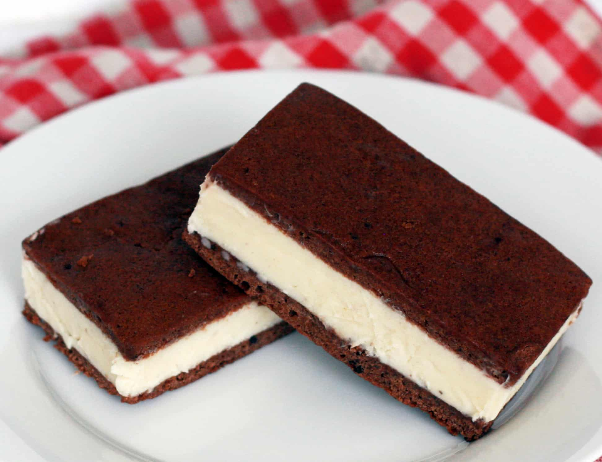 Classic vanilla ice cream sandwich with homemade chocolate cookie