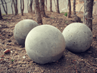 DIY concrete garden spheres 200x150 Rolling in Glitz and Glam: Amazingly Fun DIY Garden Balls!