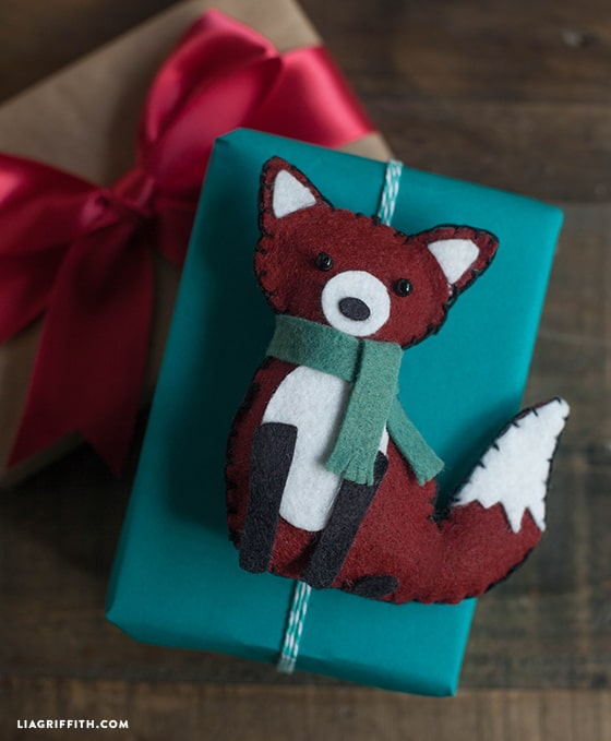 Felt fox gift topper