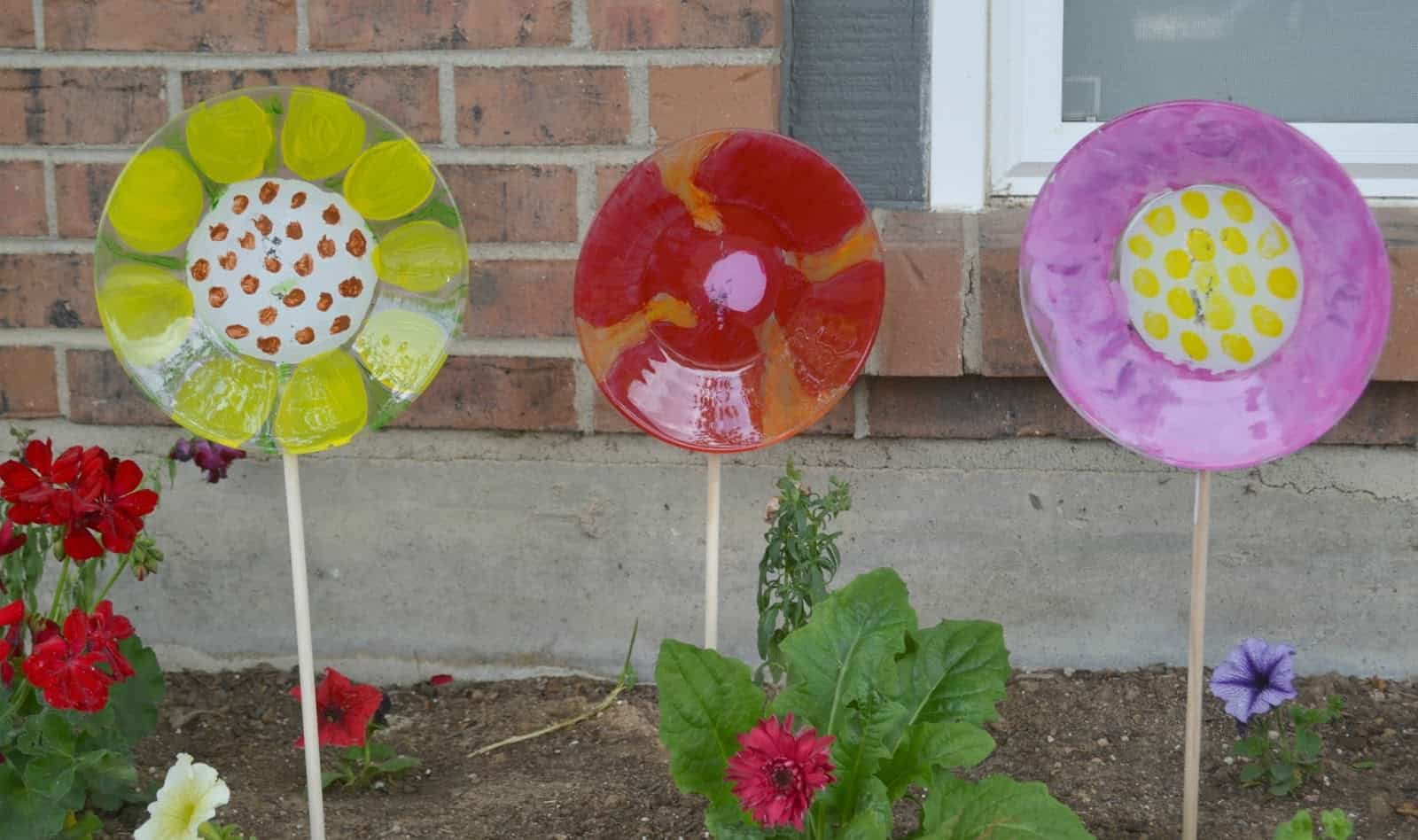 Painted Glass Plate Decorative Garden Flowers