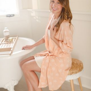 Loose and Comfortable: DIY Morning Robes