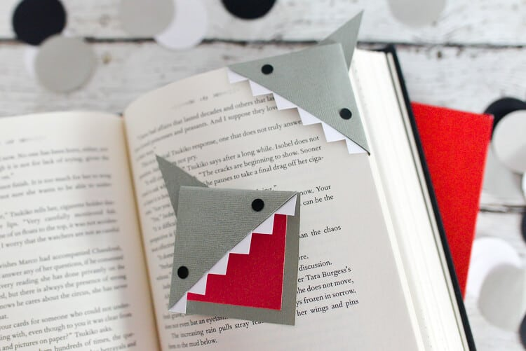 Shark corner bookmark