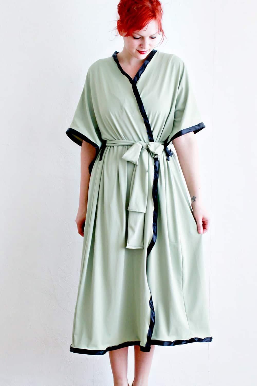 Short sleeved robe