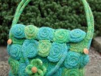 Spiralled corked purse 200x150 Fun DIYs with a Difference: 15 Great Corking Craft Ideas