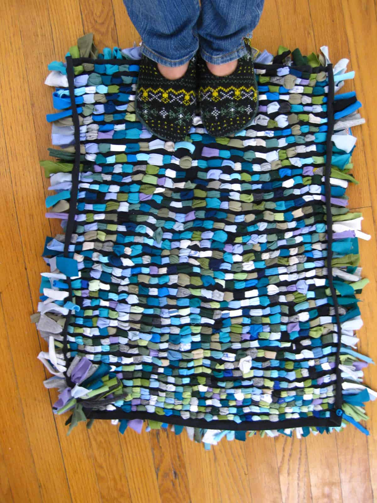 T-shirt rag rug
