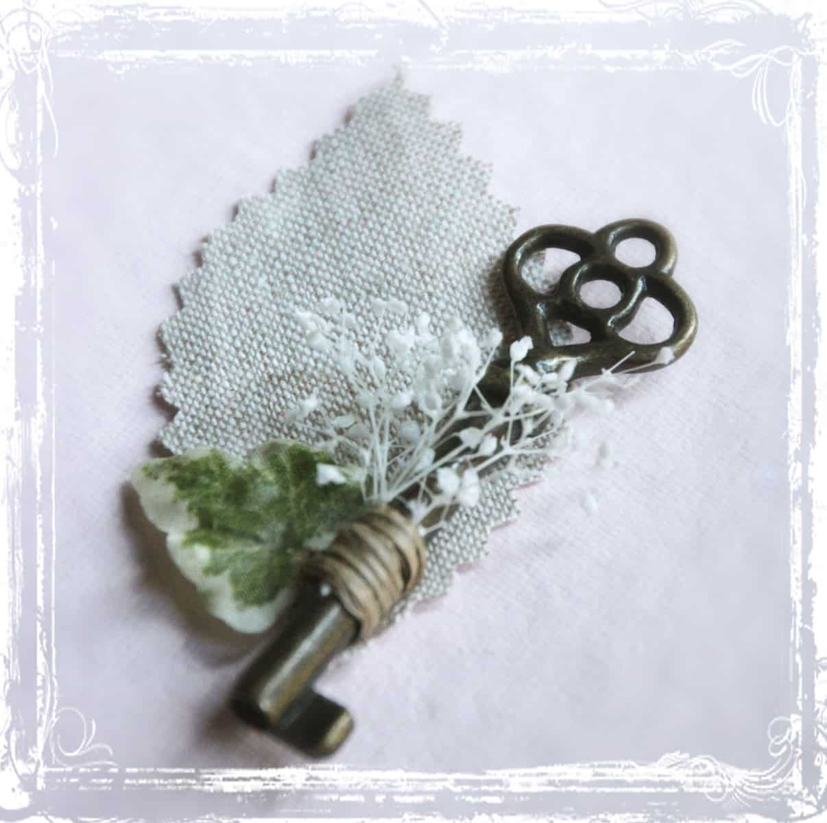 Vintage inspired key and fabric leaf