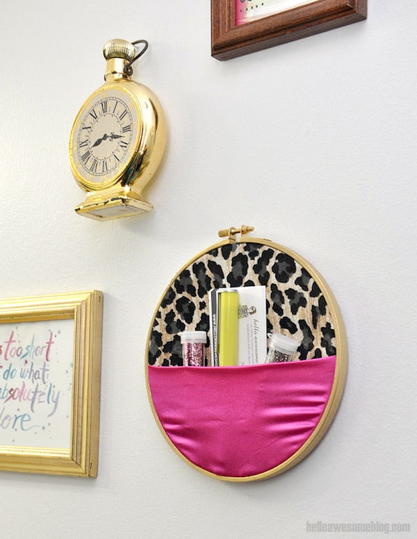 Embroidery hoop wall organizer