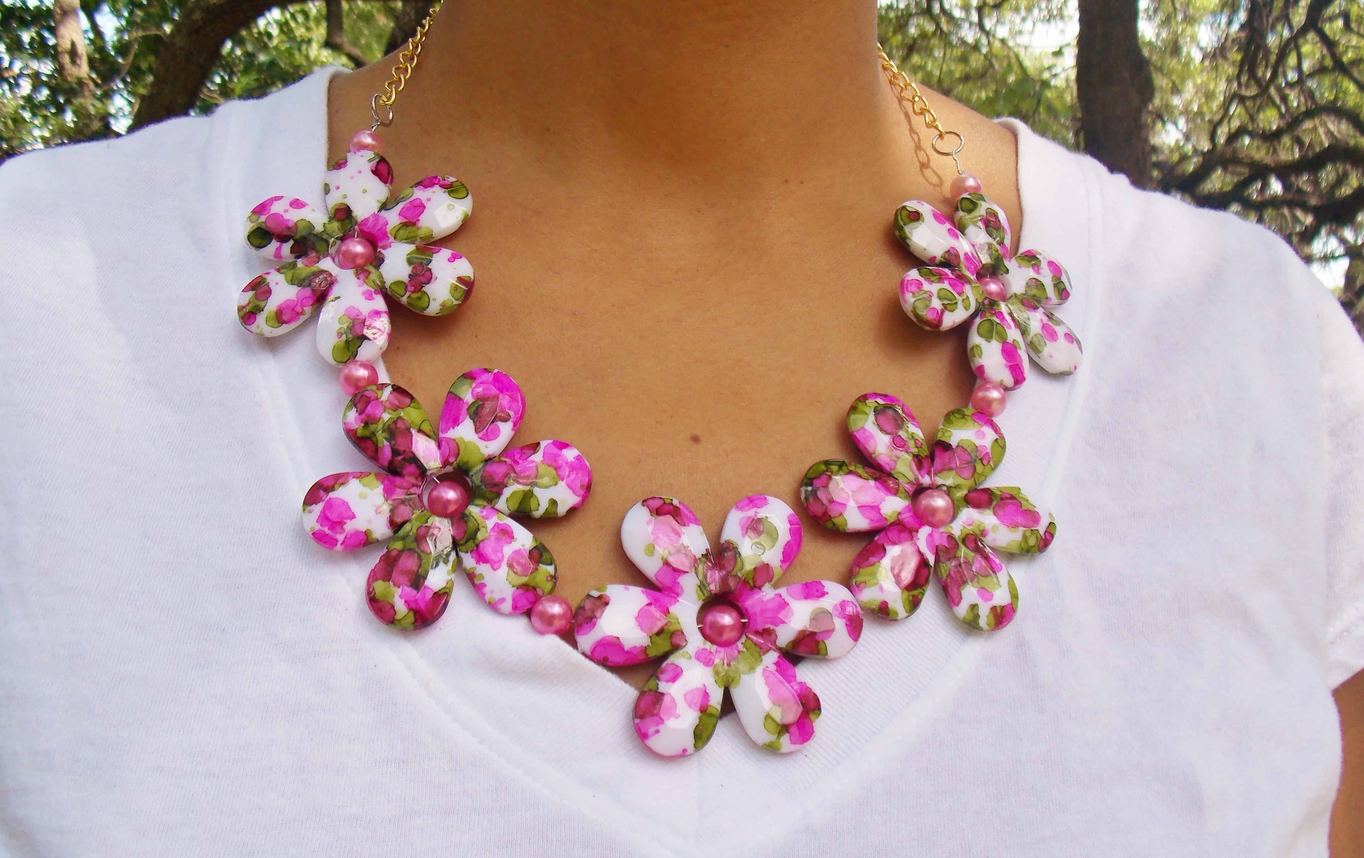 Fabric and pearl clower chain necklace