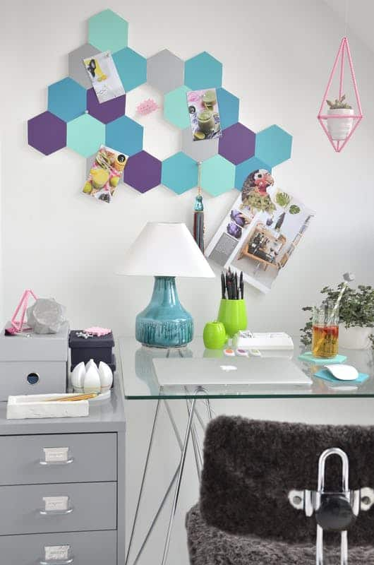 Honeycomb pin board